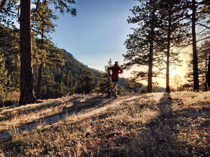 Timothy Olson running San Gabriel Mountains.