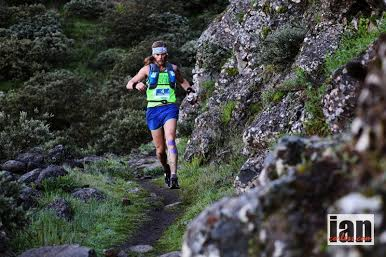 Timothy Allen Olson running at Transgrancanaria 125K.